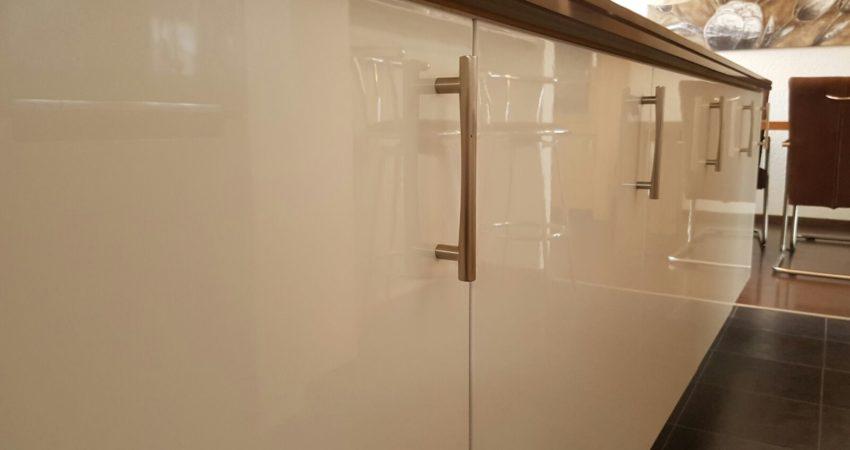 Keuken verkoopupdate Sneek , wij hebben deze keuken weer lekker fris laten shinen ! spuiterij friesland