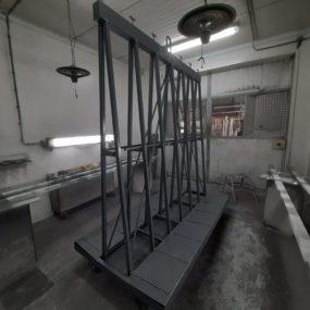 Spuitwerk industriële glasbokken.