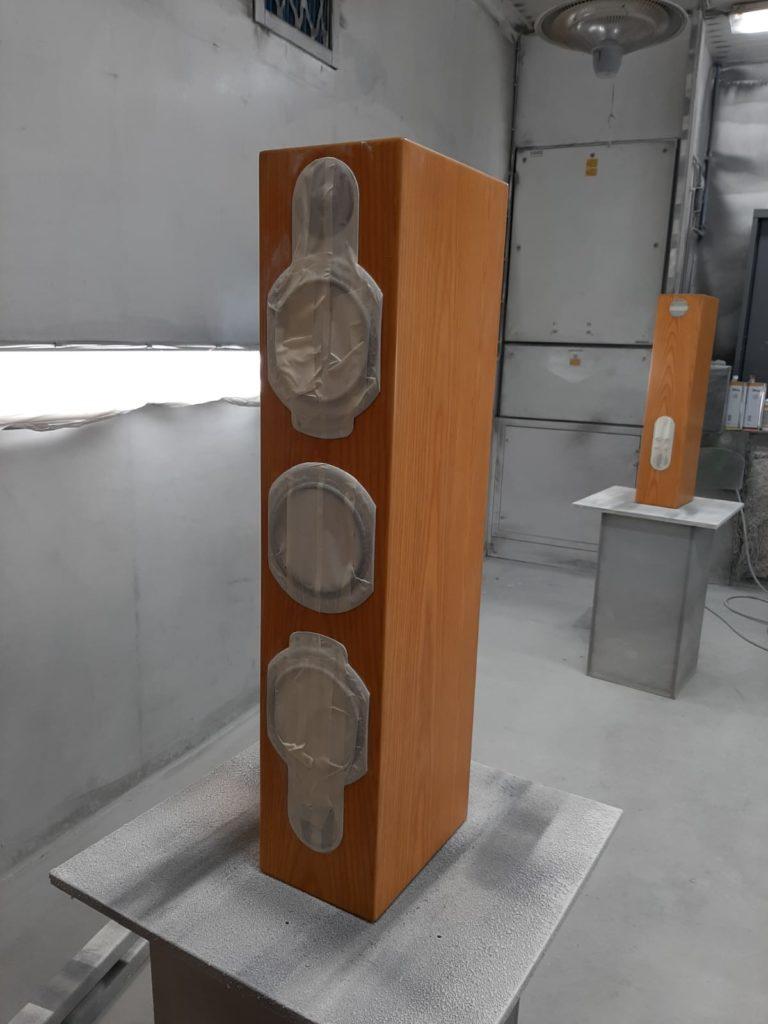 Spuitwerk speakers voor